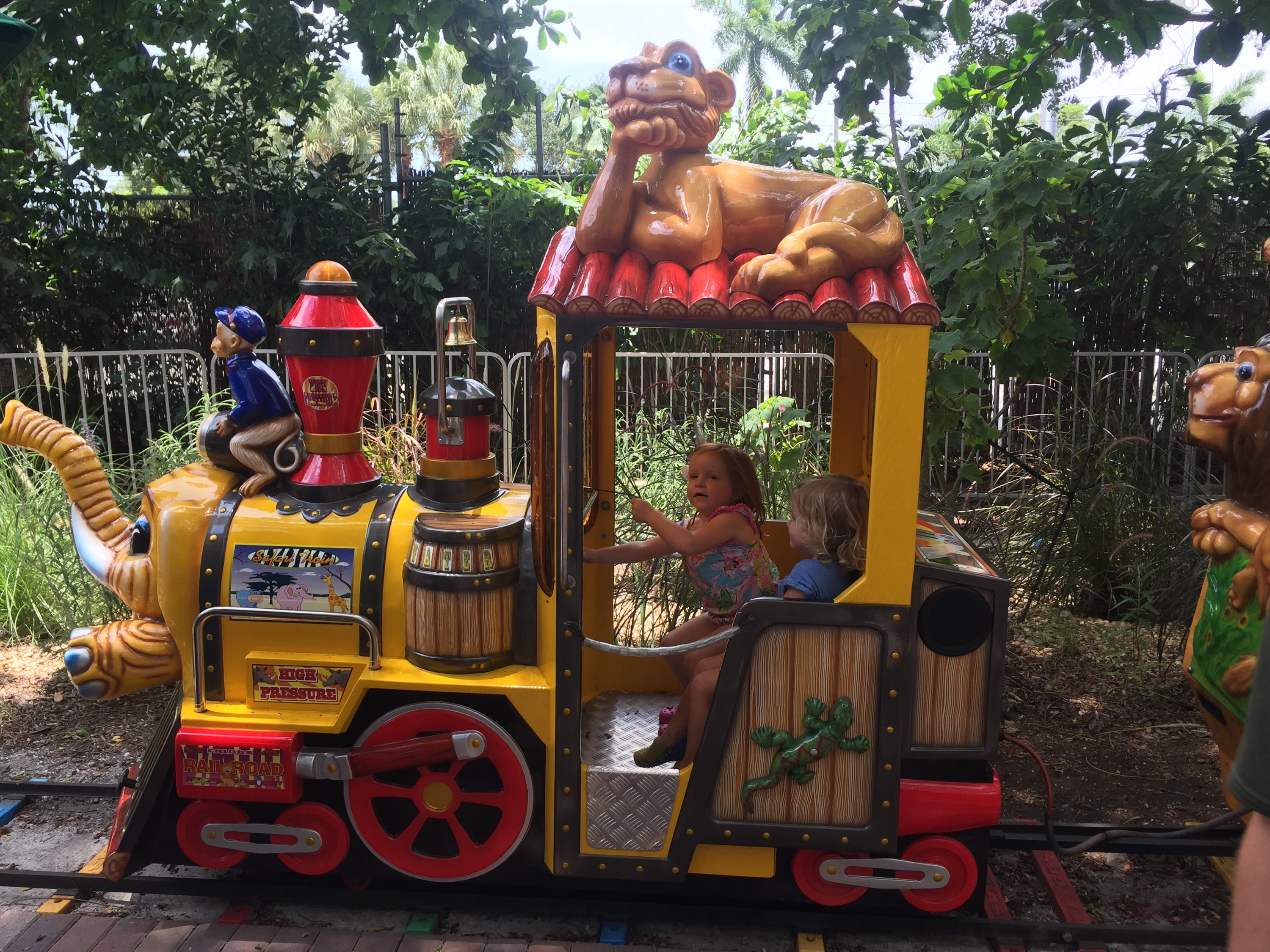 Funky Toys R Us Palm Beach Gardens Gallery - Brown Nature Garden ...
